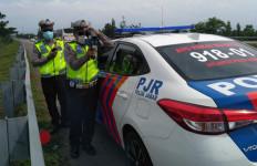 Ada Razia di Tol Cipali, Pakai Speed Gun - JPNN.com