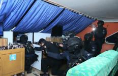 Mantap! Koopsus TNI Bebaskan Sandera dari Teroris di Selat Malaka - JPNN.com