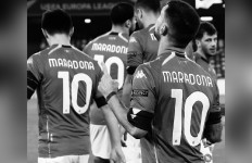 Maradona Meninggal Dunia, Nomor Punggung 10 Diusulkan Pensiun di Dunia Sepak Bola - JPNN.com