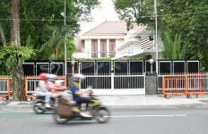 Bu Risma, Apakah Situasi Kota Surabaya Sudah Genting? - JPNN.com