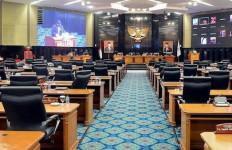 Gaji dan Tunjangan DPRD DKI Meroket, Lucius Karus Beri Tanggapan Begini - JPNN.com
