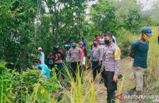 Polisi Temukan Barang Bukti pada Mayat Tanpa Identitas yang Tergantung di Hutan, Bisa jadi Petunjuk - JPNN.com