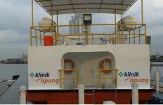 Klinik Apung Badan Wakaf Alquran dan Kimia Farma Jangkau Masyarakat Pulau Terpencil - JPNN.com