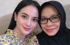 Ibunda Meninggal Akibat Covid-19, Begini Hasil Tes Swab Ririn Ekawati dan Keluarga - JPNN.com