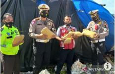 Truk Pengangkut Buah Terguling, Sukurin - JPNN.com