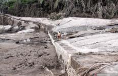Masa Siaga Bencana APG Gunung Semeru Diperpanjang, Warga Diminta Tetap Waspada - JPNN.com