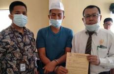 Rivat Eka Saputra, Pembunuh Selingkuhan Istri Tunjuk Dua Pengacara - JPNN.com