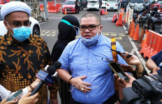 Ali Ngabalin Menyeret 2 Orang ke Polisi, Lalu Minta Maaf Kepada Keluarga Edhy Prabowo - JPNN.com