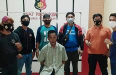 Suparman Pulang ke Rumah Setelah 1 Tahun Buron, Ketahuan Polisi, Langsung Dijemput - JPNN.com
