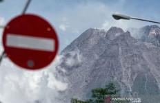 Gunung Merapi Mengalami Ratusan Gempa, Status Naik Jadi Siaga, Pemda Diminta Siap-Siap - JPNN.com