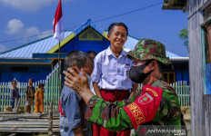 Dapat Masker Gratis, Siswa di Kendari: Terima Kasih, Pak Tentara - JPNN.com