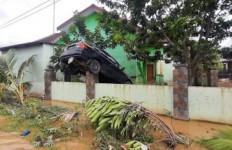 5 Jenazah Korban Banjir di Deliserdang Dimakamkan, Bayi 2 Tahun Belum Ditemukan - JPNN.com