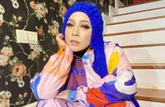 Semprot Dokter Tirta, Melly Goeslaw: Anda Punya Masalah dengan Saya? - JPNN.com