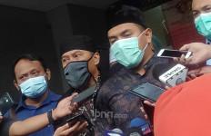 Soal Bungkusan Mencurigakan Bertuliskan FPI Munarman, Aziz Yanuar Cuma Bilang Begini - JPNN.com