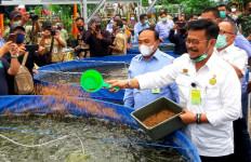 Mentan SYL Panen Padi dan Lele di Pemalang - JPNN.com