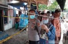 Warga Berkerumun di Rumah Ahmad Zaenudin, Hawa Panas Sangat Terasa, Telur pun Matang - JPNN.com