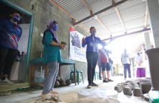 Wah, Mas Ibas Borong Banyak Gerabah saat Pulang dari Purwoasri - JPNN.com
