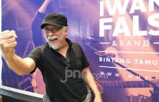 Iwan Fals Sindir Kelakuan Menteri Korupsi Lewat Lagu, Begini Liriknya - JPNN.com
