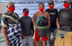 Alhamdulilah Nelayan dan Perajin Tenun Masih dapat Bantuan di Masa Pandemi - JPNN.com