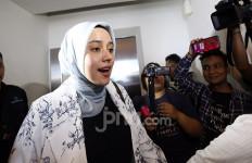 Maafkan Mantan Suami, Fairuz A Rafiq: Aku juga Belum Sempurna - JPNN.com