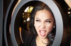 Hotman Paris Umbar Curhat Gisel soal Video, Feni Rose Bilang Begini  - JPNN.com