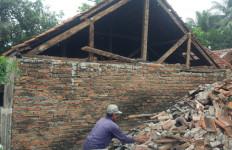 Gempa Brebes Magnitudo 4,2 Merusak 23 Rumah di Kuningan - JPNN.com
