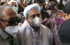 Aziz Yanuar Sampaikan Kondisi Terkini Habib Rizieq di Rutan Bareskrim - JPNN.com