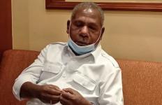Bupati Mathius Awoitauw Dorong Penguatan Kesejahteraan Orang Asli Papua dengan Pendekatan Adat - JPNN.com