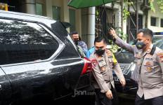 Irjen Fadil Imran Bilang Terbiasa Datang Sendiri, Tak Diantar Banyak Orang - JPNN.com