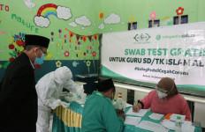 NU CARE dan Tokopedia Gelar Swab Test Gratis untuk Guru TK dan SDIT Al Banyani - JPNN.com