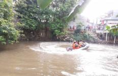 Pencarian Daffa Wahit yang Tenggelam di Kali Pesanggrahan Dihentikan Sementara - JPNN.com