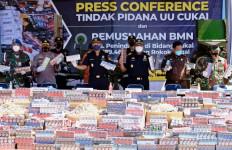 Wow, Bea Cukai Sidoarjo Sita dan Musnahkan Jutaan Batang Rokok Ilegal - JPNN.com