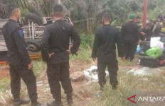 Bus Pengangkut 33 Personel Sat Brimob Terbalik di Jambi, Begini Kondisinya - JPNN.com