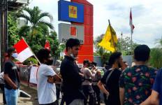 Aliansi Pemuda Mahasiswa untuk Rakyat Gelar Aksi di KPK dan PT PLN Batubara, Nih Tuntutannya - JPNN.com