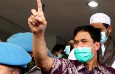 Tetangga Munarman Sebut Tidak Ada Agenda Terima Tamu - JPNN.com