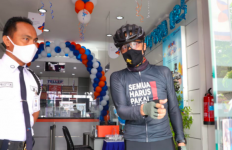Tegur Satpam Bank, Ganjar: Tolong Diatur - JPNN.com