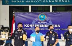 Paket Ganja Dua Kilogram Disita, Petugas Bea Cukai dan BNNP Jateng Cari Siapa Pemiliknya - JPNN.com