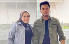 Pernikahan Elly Sugigi dan Aher Hanya Rekayasa? - JPNN.com