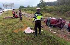 Pecah Ban di Tol Lampung-Palembang, Suzuki Splash Terguling, Dua Nyawa Melayang - JPNN.com