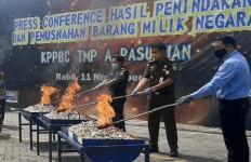 Bea Cukai Musnahkan Barang Ilegal Hasil Penindakan di Tiga Provinsi - JPNN.com