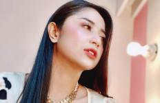 Wajah Dewi Perssik Dipenuhi Bintik Merah Karena Covid-19, dr Tirta Bilang Begini - JPNN.com