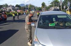 Razia di Kawasan Puncak Bogor Dimulai, Banyak yang Diputar Balik - JPNN.com