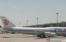Diserbu Kasus COVID-19 dari Luar Negeri, China Batalkan 400 Penerbangan - JPNN.com