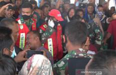 Ratusan Orang Terharu saat 4 Nelayan Itu Pulang, Apa yang Telah Terjadi? - JPNN.com