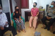 Rumah Pria yang Menikahi Dua Wanita Sekaligus Ini Tiba-tiba Didatangi Petugas, Oh Ternyata - JPNN.com