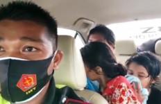 Cekcok di Rest Area, Suami Malah Kabur, Istri Nekat Bawa Anaknya Berjalan Kaki di Tol Trans Sumatera - JPNN.com