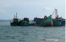 Lima Kapal Asing Ditenggelamkan Kejaksaan di Laut Kepri, Satu dari Malaysia Selamat Tinggal! - JPNN.com