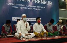 Kemenpora Dorong Santri Berwirausaha Lewat Pesantrenpreneur - JPNN.com