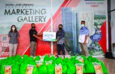 Bantu Warga Terdampak Covid-19, Patraland Urbano Apartemen Bagikan Paket Sembako - JPNN.com