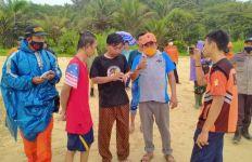 Handian Ahmad Hilang Digulung Ombak di Pantai Selatan Lebak - JPNN.com